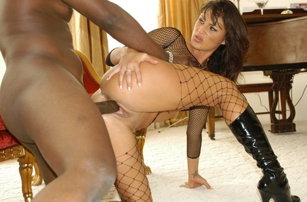 black cock pumping her